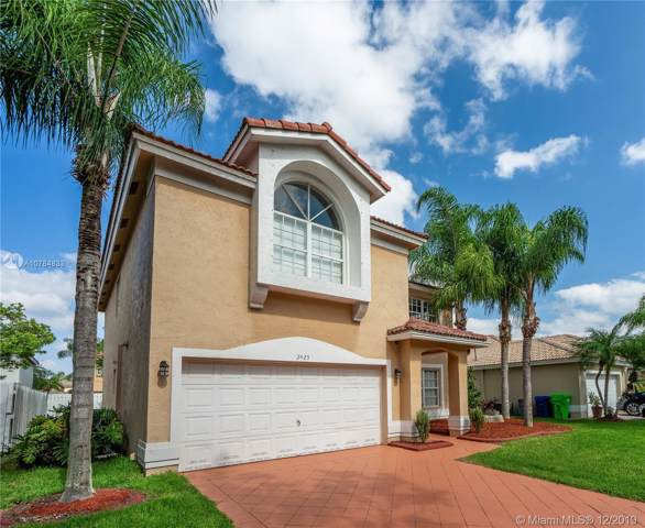 2425 NW 137 Ave, Sunrise, FL 33323 (MLS #A10784833) :: United Realty Group