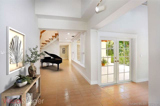 1510 Catalonia Ave, Coral Gables, FL 33134 (MLS #A10784852) :: Grove Properties
