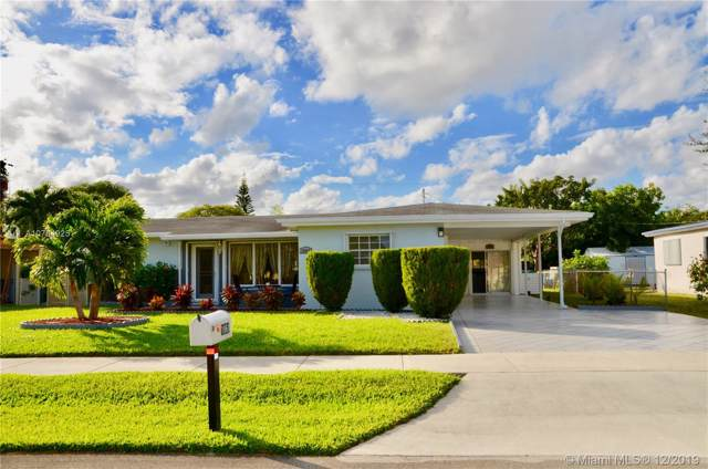 1861 SW 42nd Ter, Fort Lauderdale, FL 33317 (MLS #A10784925) :: The Riley Smith Group