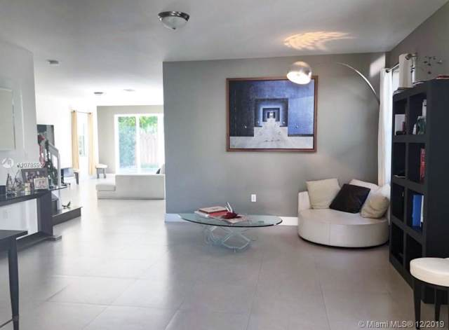 10480 NW 69th Ter, Doral, FL 33178 (MLS #A10785960) :: Berkshire Hathaway HomeServices EWM Realty