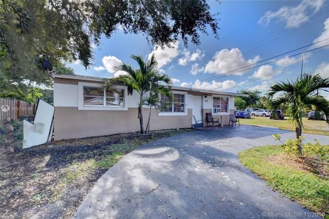 685 SW 7th Ter, Dania Beach, FL 33004 (MLS #A10786158) :: Berkshire Hathaway HomeServices EWM Realty