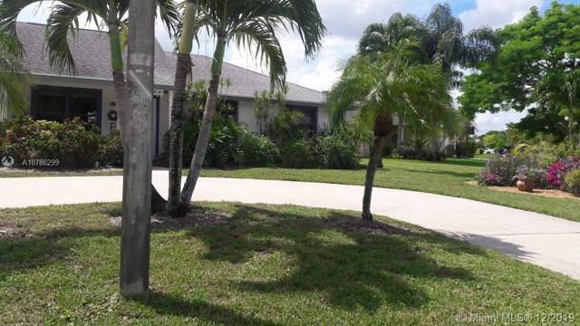 320 Sandpiper Ave, Royal Palm Beach, FL 33411 (MLS #A10786299) :: Albert Garcia Team