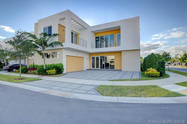 7484 NW 99th Pl, Doral, FL 33178 (MLS #A10786725) :: RE/MAX Presidential Real Estate Group