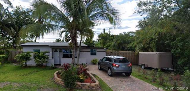 827 S 63rd Ave, Hollywood, FL 33023 (MLS #A10786846) :: United Realty Group