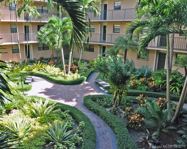 10425 SW 112th Ave #214, Miami, FL 33176 (MLS #A10787581) :: Ray De Leon with One Sotheby's International Realty