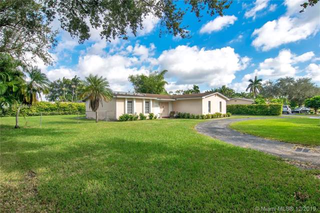 9765 SW 123rd Ter, Miami, FL 33176 (MLS #A10788602) :: The Riley Smith Group