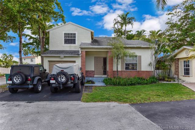 521 Danville Ter, Davie, FL 33325 (#A10789775) :: Real Estate Authority