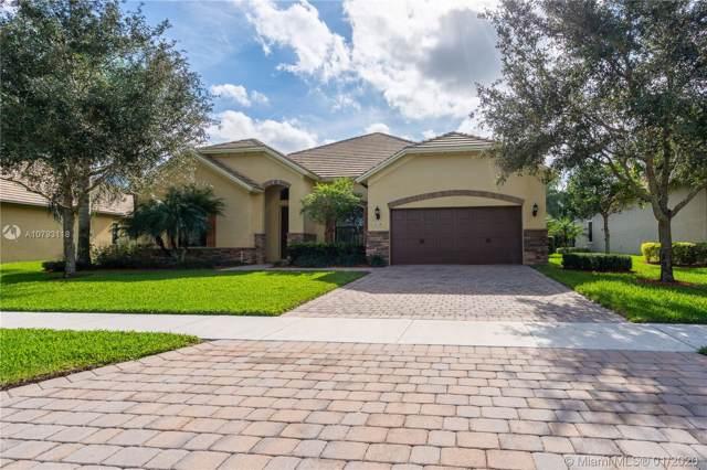 3118 Siena Cir, Wellington, FL 33414 (MLS #A10793118) :: Green Realty Properties