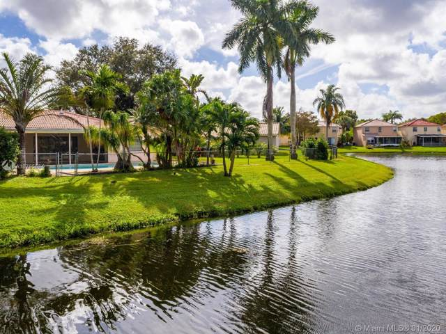 8651 NW 7th Ln, Coral Springs, FL 33071 (MLS #A10795534) :: Green Realty Properties