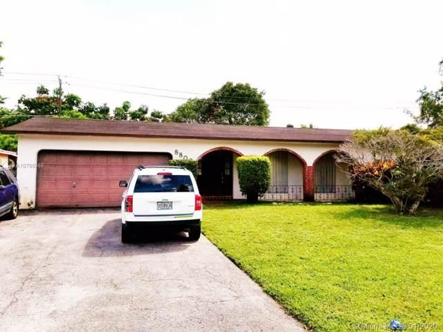 8800 N Southampton Dr, Miramar, FL 33025 (MLS #A10795986) :: Berkshire Hathaway HomeServices EWM Realty