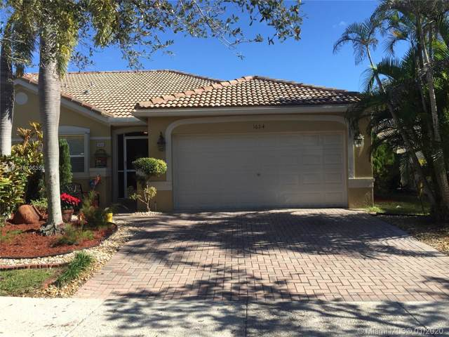 1624 Zenith Way, Weston, FL 33327 (MLS #A10796359) :: United Realty Group