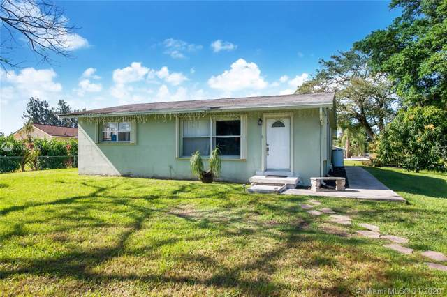 2750 SW 137th Ter, Davie, FL 33330 (MLS #A10797021) :: The Teri Arbogast Team at Keller Williams Partners SW