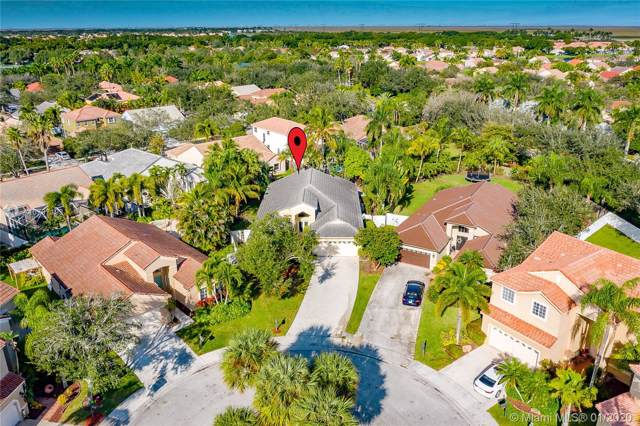 644 Cambridge Ter, Weston, FL 33326 (MLS #A10797193) :: The Teri Arbogast Team at Keller Williams Partners SW