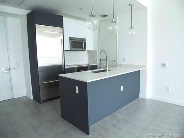 1300 Brickell Bay Dr #3805, Miami, FL 33131 (MLS #A10797207) :: Berkshire Hathaway HomeServices EWM Realty