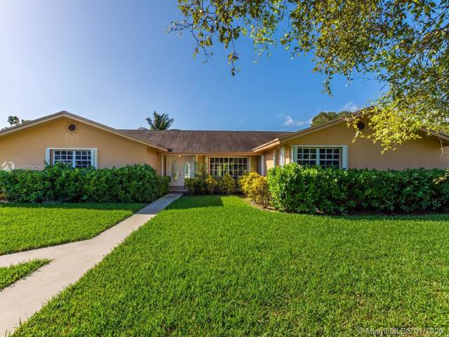 12904 SW 94th Pl, Miami, FL 33176 (MLS #A10798260) :: The Erice Group