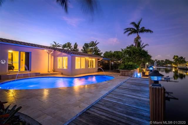 2136 NE 17th Ave, Wilton Manors, FL 33305 (MLS #A10799851) :: Castelli Real Estate Services