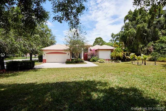 3010 Hidden Hollow Ln, Davie, FL 33328 (MLS #A10800347) :: The Levine Team