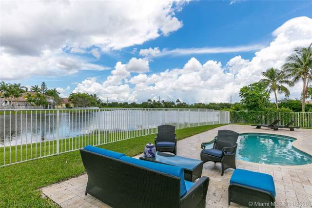 1809 Harbor View Cir, Weston, FL 33327 (MLS #A10800394) :: Albert Garcia Team
