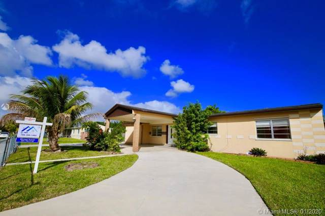 11525 SW 108th Ave, Miami, FL 33176 (MLS #A10802156) :: The Riley Smith Group