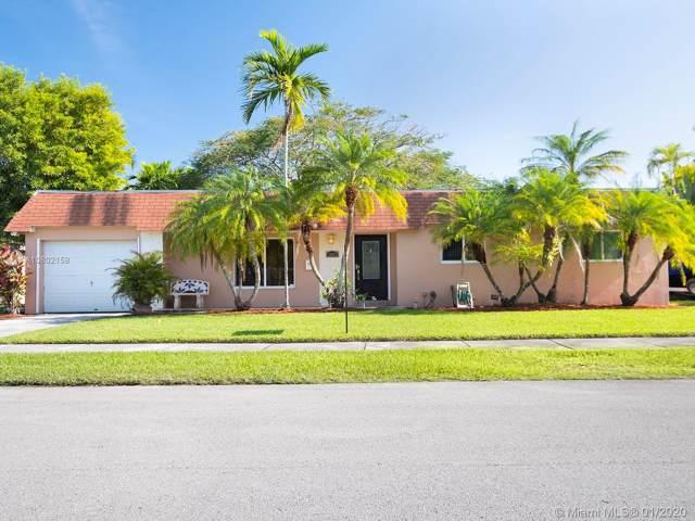 10821 SW 105th Ave, Miami, FL 33176 (MLS #A10802159) :: Kurz Enterprise