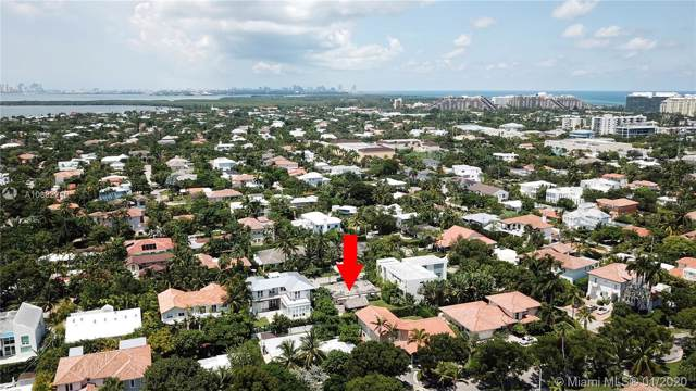 794 Curtiswood Dr, Key Biscayne, FL 33149 (MLS #A10802240) :: The Paiz Group