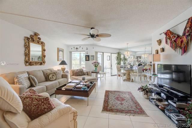 5851 Camino Del Sol #400, Boca Raton, FL 33433 (MLS #A10802291) :: The Howland Group