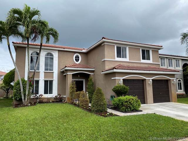 10713 SW 14th Pl, Davie, FL 33324 (MLS #A10802400) :: The Erice Group