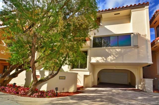 2000 S Bayshore Dr #13, Coconut Grove, FL 33133 (MLS #A10802449) :: Berkshire Hathaway HomeServices EWM Realty