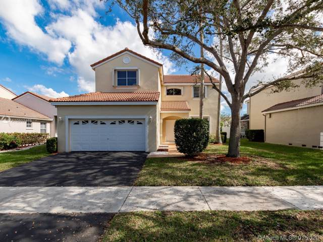 668 Stanton Dr, Weston, FL 33326 (MLS #A10802475) :: United Realty Group