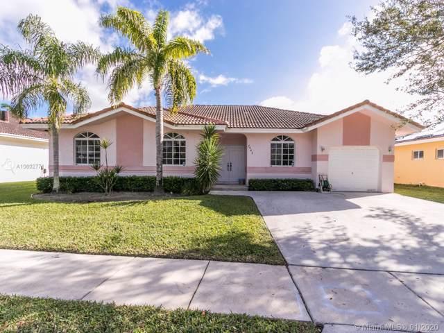 7642 NW 99th Way, Tamarac, FL 33321 (MLS #A10802771) :: Green Realty Properties