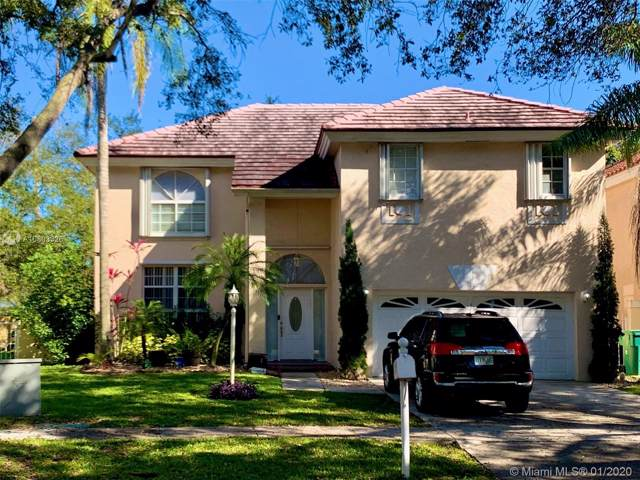 3007 Bogota Ave, Cooper City, FL 33026 (MLS #A10803326) :: The Erice Group