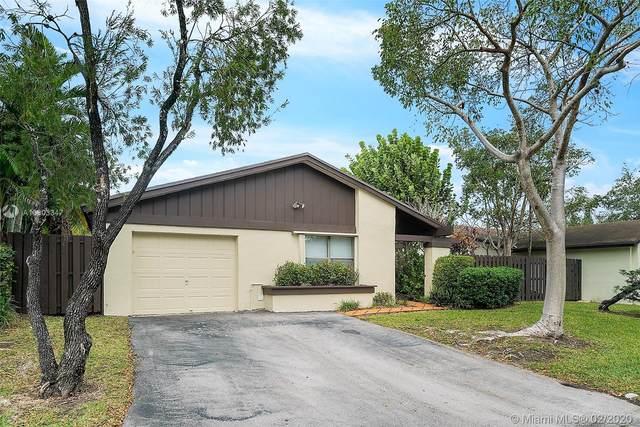 13072 SW 108th St Cir, Miami, FL 33186 (MLS #A10803347) :: Castelli Real Estate Services