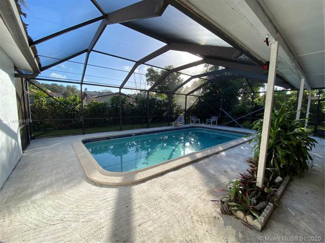 8520 Sheraton Dr, Miramar, FL 33025 (MLS #A10803374) :: Green Realty Properties