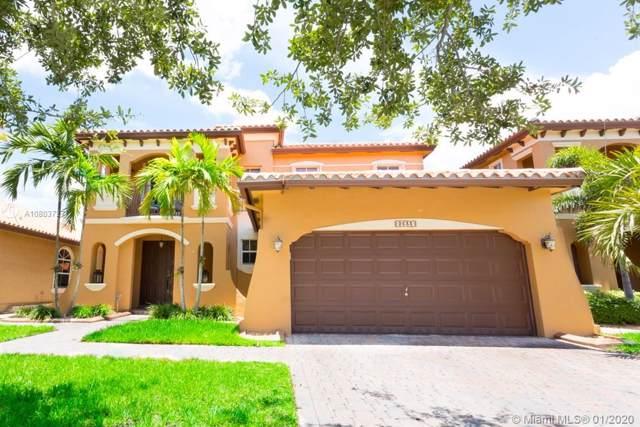 2633 SW 154th Ct, Miami, FL 33185 (MLS #A10803727) :: The Riley Smith Group