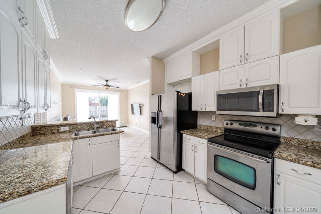 17056 NW 12th St, Pembroke Pines, FL 33028 (MLS #A10804141) :: Green Realty Properties