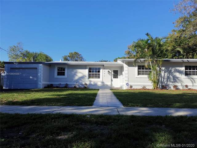 4691 NW 4th Ct, Plantation, FL 33317 (MLS #A10804555) :: The Teri Arbogast Team at Keller Williams Partners SW