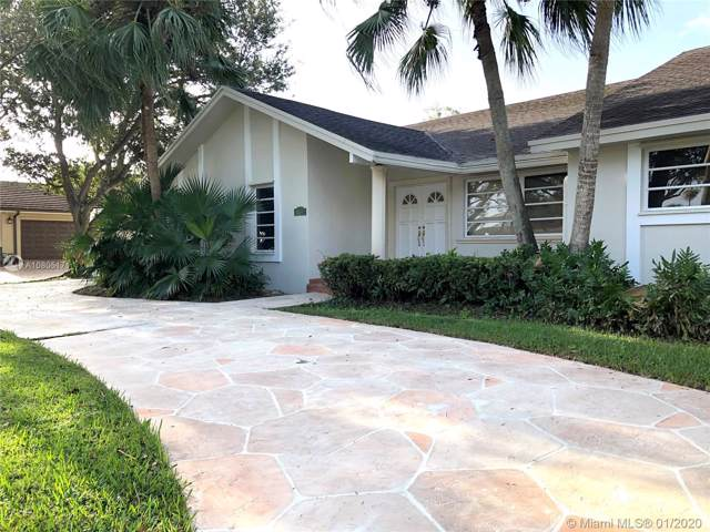 10540 SW 140th Rd, Miami, FL 33176 (MLS #A10805171) :: The Teri Arbogast Team at Keller Williams Partners SW