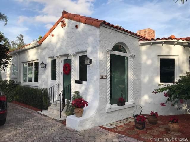 1517 Palancia Ave, Coral Gables, FL 33146 (MLS #A10805691) :: Kurz Enterprise