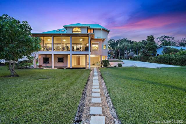 921 SW Pine Tree Ln., Palm City, FL 34990 (MLS #A10806908) :: Castelli Real Estate Services
