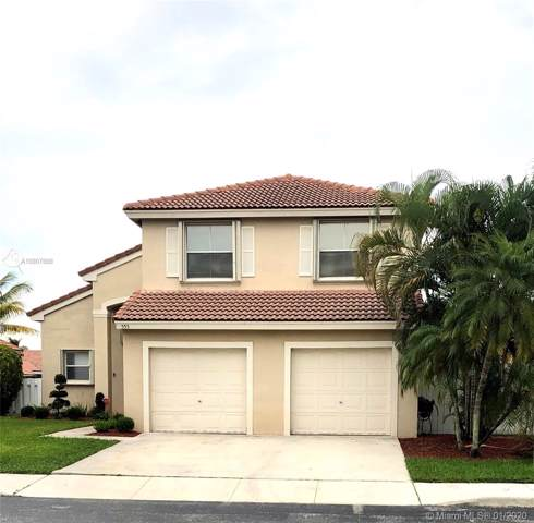 555 NW 165th Ave, Pembroke Pines, FL 33028 (MLS #A10807888) :: Albert Garcia Team