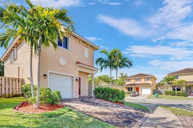 8998 SW 215th Ln, Cutler Bay, FL 33189 (MLS #A10808086) :: Berkshire Hathaway HomeServices EWM Realty