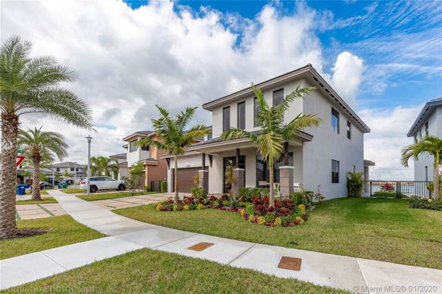 15540 NW 88th Ave, Miami Lakes, FL 33018 (MLS #A10808108) :: Grove Properties
