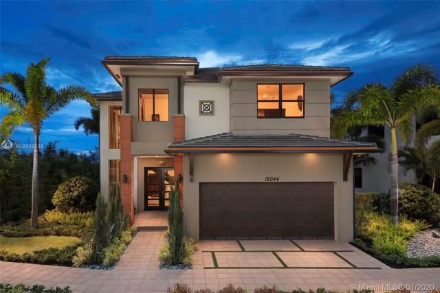 8880 NW 161 TERR, Miami Lakes, FL 33018 (MLS #A10808138) :: Grove Properties