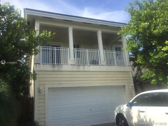 3210 SE 3rd Dr, Homestead, FL 33033 (MLS #A10808809) :: Berkshire Hathaway HomeServices EWM Realty