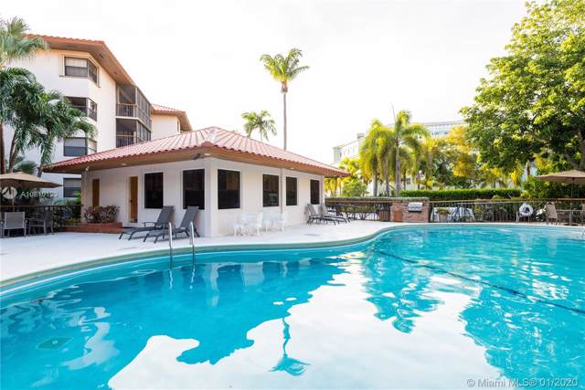 55 Ocean Lane Dr #3030, Key Biscayne, FL 33149 (MLS #A10810123) :: Carole Smith Real Estate Team
