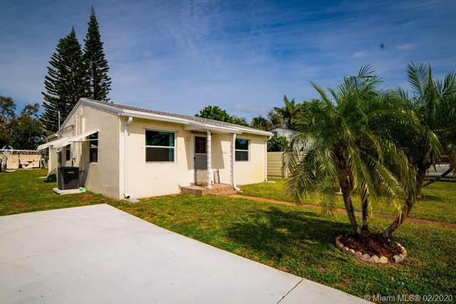 2727 Taylor St, Hollywood, FL 33020 (MLS #A10811023) :: Lucido Global