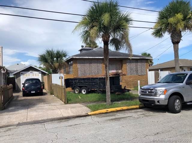 128 S Wild Olive Ave, Daytona, FL 32118 (MLS #A10811166) :: Berkshire Hathaway HomeServices EWM Realty