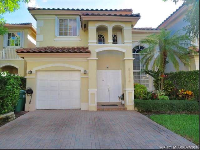 6824 NW 109th Ave, Doral, FL 33178 (MLS #A10811305) :: Berkshire Hathaway HomeServices EWM Realty