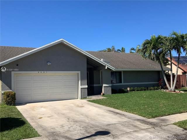 4481 NW 74th Ave, Lauderhill, FL 33319 (MLS #A10811664) :: The Paiz Group