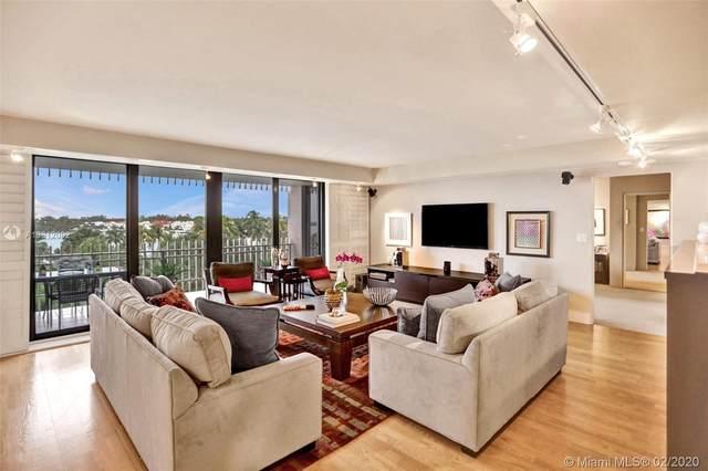 1 Grove Isle Dr A304, Miami, FL 33133 (MLS #A10812092) :: Berkshire Hathaway HomeServices EWM Realty